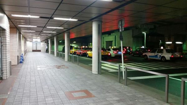 横浜駅東口のタクシー乗り場