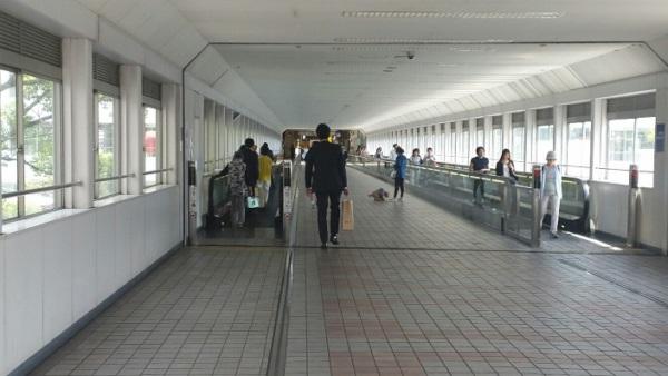 横浜_かもめ橋の動く歩道