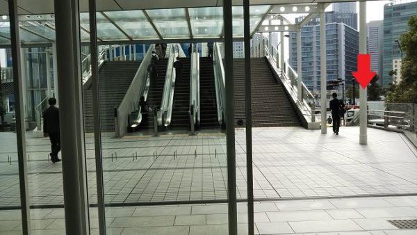 横浜駅東口日産ギャラリービルからぴあアリーナへ向かう