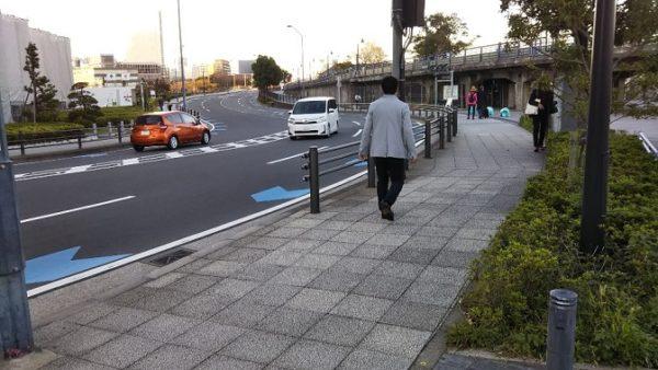 日本大通り駅から赤レンガ倉庫へ向う