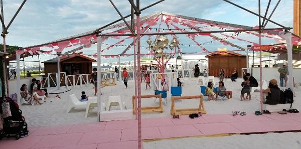 赤レンガ倉庫のイベント(レッドブリックビーチの砂浜)