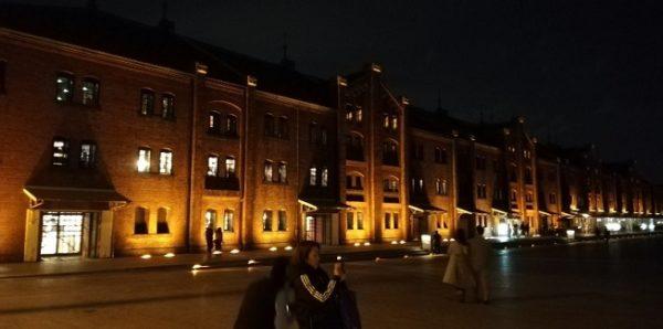 横浜赤レンガ倉庫の夜景(ボワッとなってる感じ)