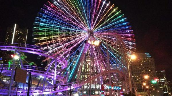 横浜みなとみらいコスモクロック21(観覧車)の夜景