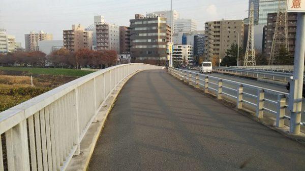 北横浜駅から横浜アリーナへ向かう