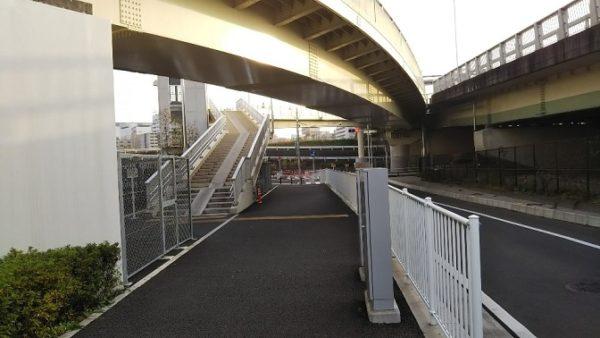 新横浜大橋の歩道橋