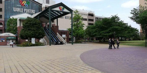 横浜ワールドポーターズ前の広場