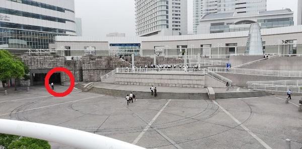 パシフィコ横浜円形広場(プラザ)のトイレ場所