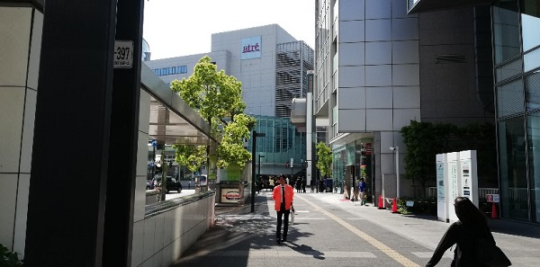 JR川崎駅、アトレ川崎ビル前