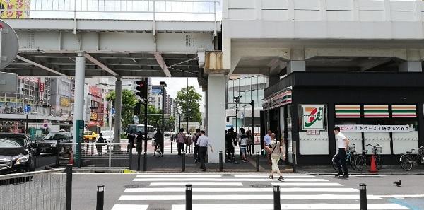 「川崎駅前南」交差点