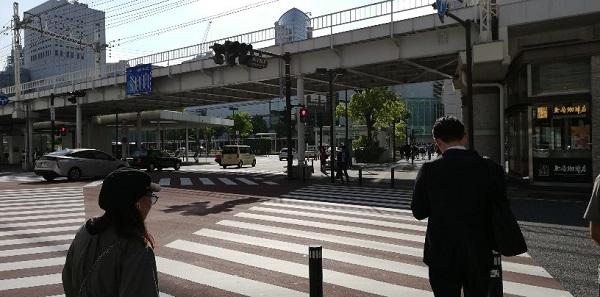 「川崎駅前東」交差点