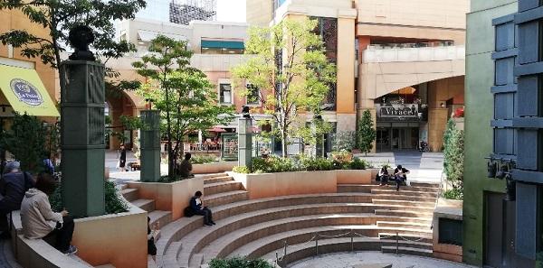 ラチッタデッラ川崎の円形広場