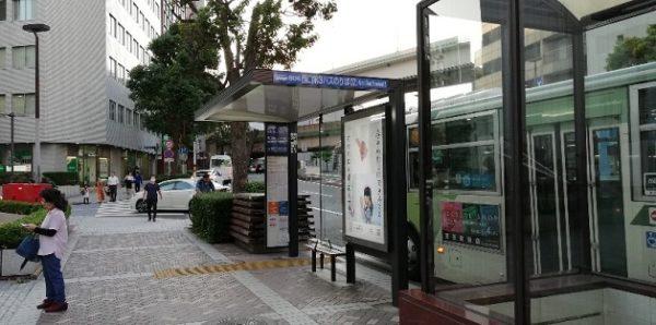 横浜駅西口の第3バス乗り場