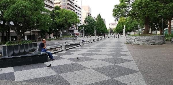 伊勢佐木長者町駅前の大通り公園