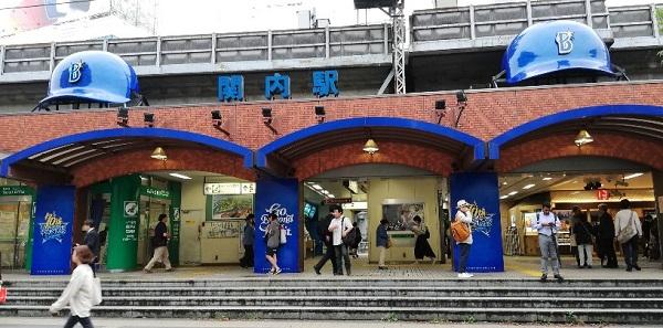JR関内駅の南口(横浜スタジアム側)