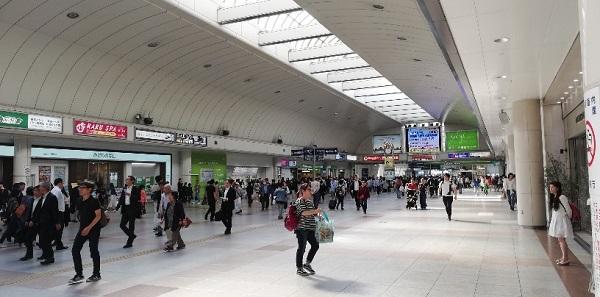 川崎駅の中央通路