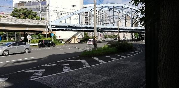 桜木町駅前、16号線、JR線の陸橋