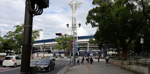 市庁舎前交差点(横浜スタジアム前)