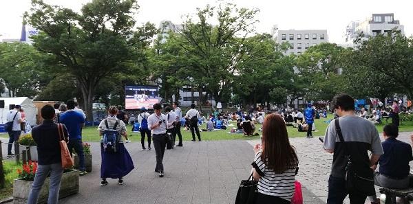 関内駅前の横浜公園内、パブリックビューイング