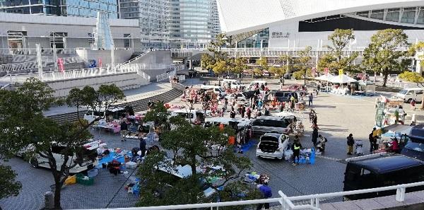 パシフィコ横浜のイベント(円形プラザのフリーマーケット)